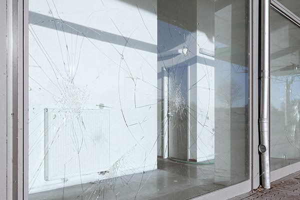 Commercial shop window glass repair